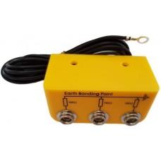 "ESD Földelési pont - ""L"" alakú - 3db 10mm apa patenttel - 1 MOhm"